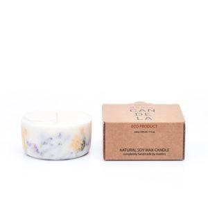 Candela 100% in cera di soia al profumo di rosa con fiori selvatici dei prati lettoni  220 ml - Durata 15 ore